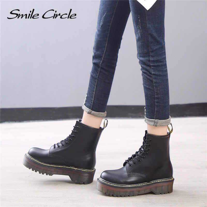 รอยยิ้มวงกลมขนาด 35-42 แบนแพลตฟอร์มรองเท้าผู้หญิงรองเท้าฤดูใบไม้ร่วงฤดูหนาวแฟชั่นรอบ Toe Lace-Up รองเท้าหนังผู้หญิงรองเท้า