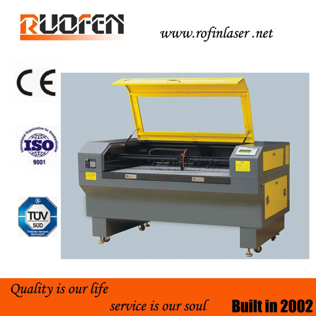 2013!!!  Newest small 3d laser crystal engraving machine