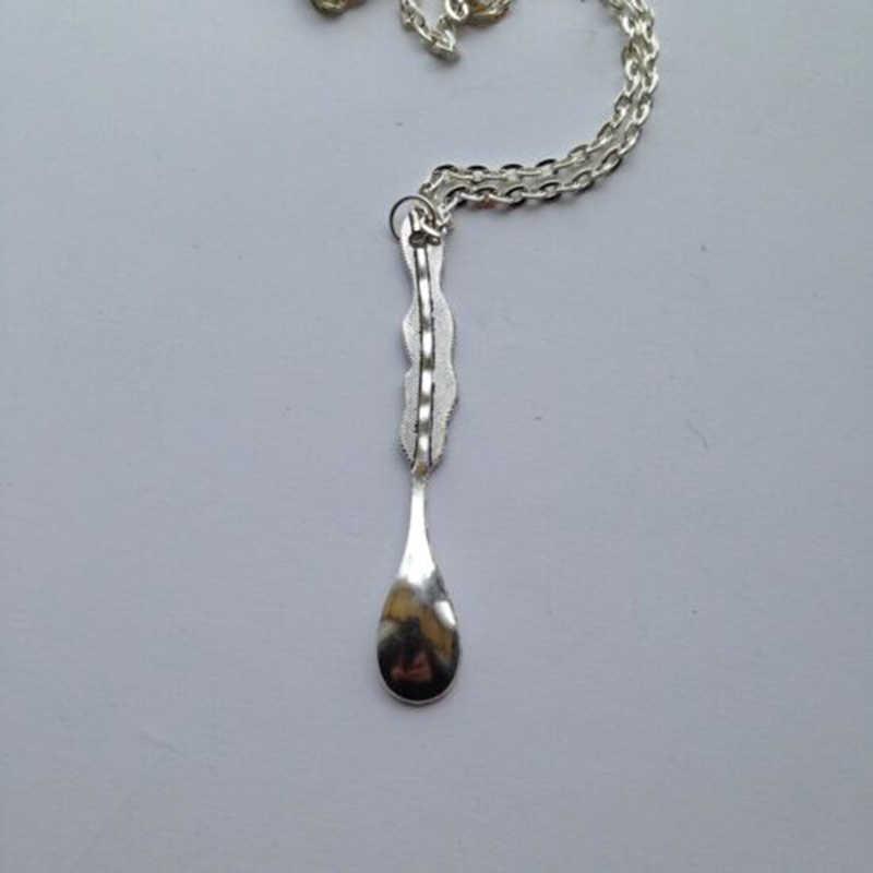 """Vintage Alice plume Mini cuillère à thé tabatière Allsorts collier 24 """"chaîne antique argent pendentif breloques cuillère collier bijoux cadeau"""