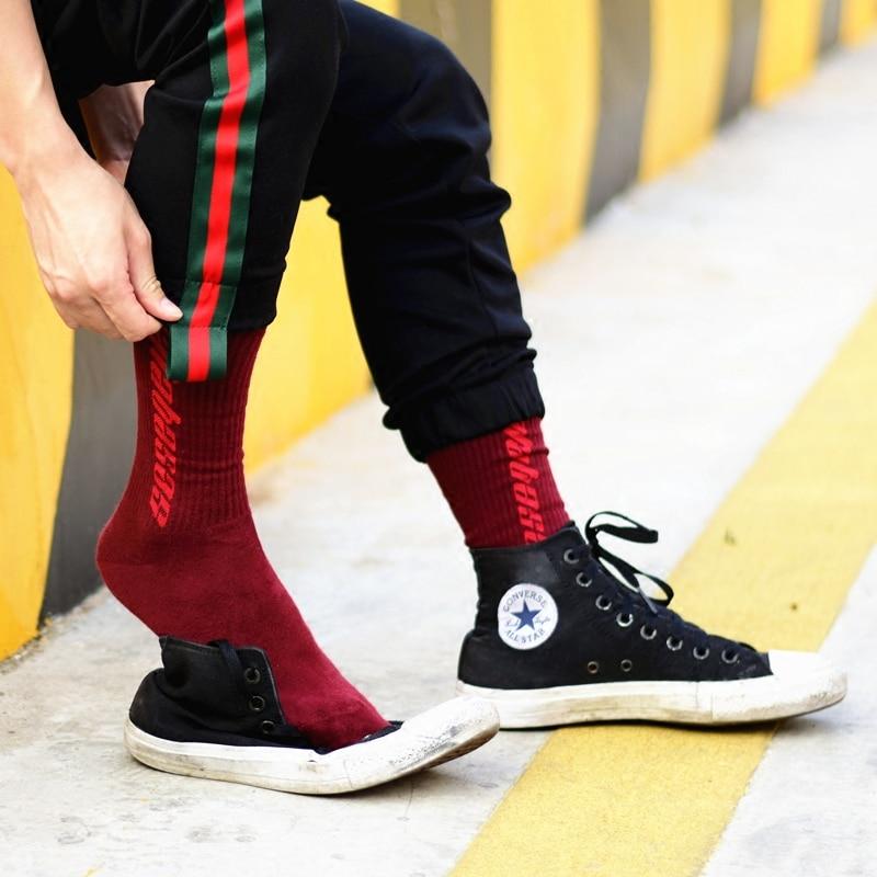 New personality tide socks skateboard hip hop casual cotton socks men and women tube stockings fashion street letters socks