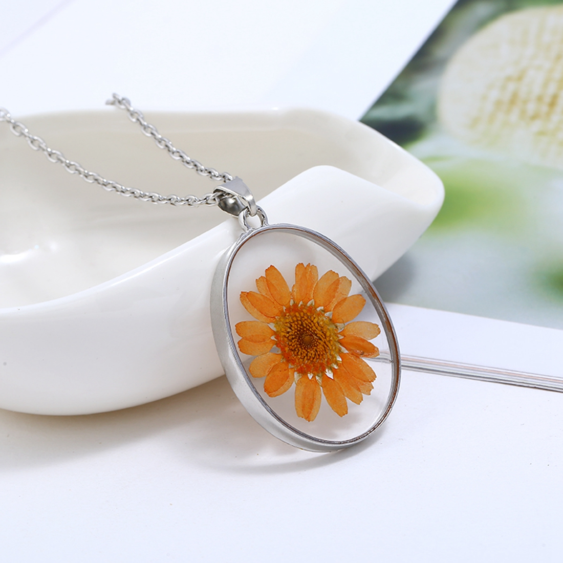 2018 Vintage Romantic Style Dried Flowers Resin Necklace Colorful Sunflower Decoration Pendant Necklace Girls Gift Wholesale