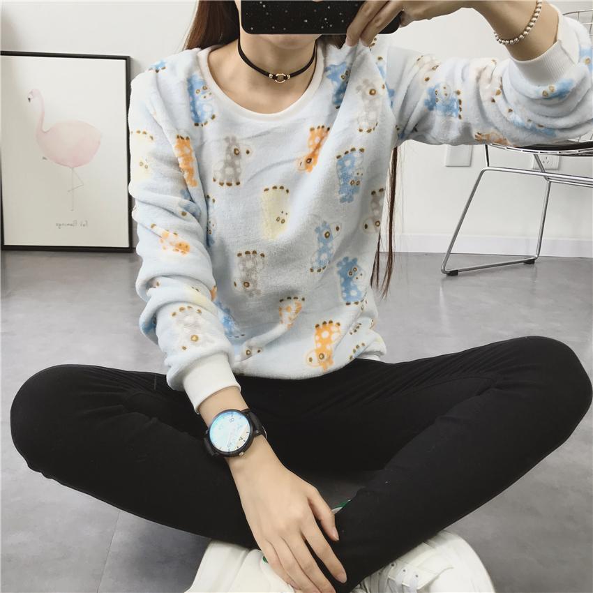 Женский свитер 2017 .