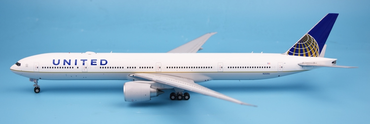 New product GeminiJets 1: 200 G2UAL643 United States United Airlines B777-300ER Alloy aircraft model Collection model Holiday