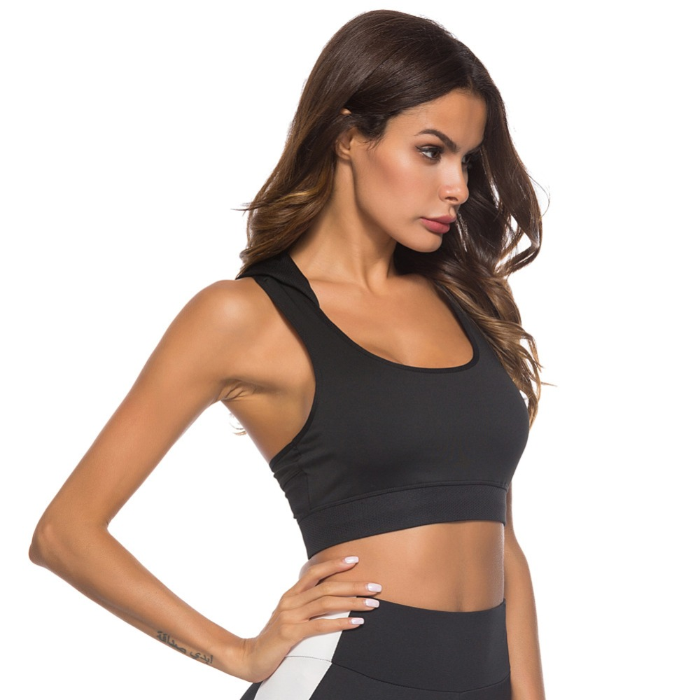 Foto Sport's Bra Top with Push Up for women. Women's Push up top for sport the black color.