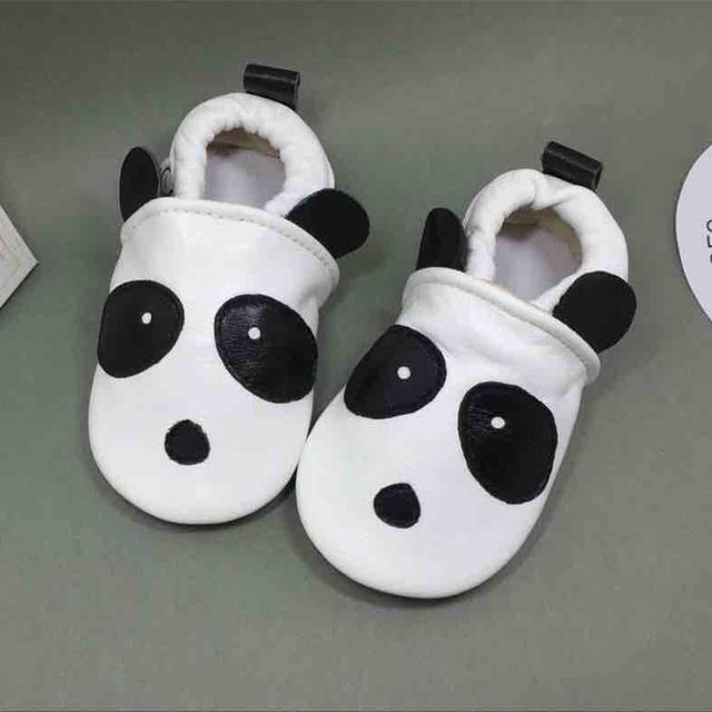 100% Zapatillas de Cuero Genuino Zapatos Del Bebé Panda Prints Bebé Transpirable Niño de Cuero Mocasines calcado infantil 0-18 M