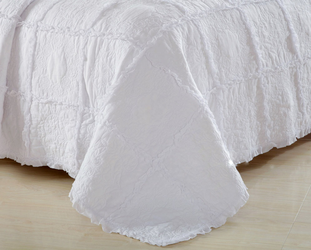 aliexpresscom  buy chausub quality white quilt set pcs coverlet  - aliexpresscom  buy chausub quality white quilt set pcs coverlet cottonquilts patchwork bedspread embroidery bed cover blanket shams king sizefrom