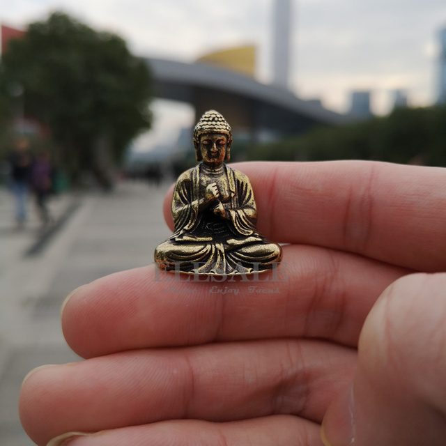 Mini Portable Vintage Brass Buddha Statue Pocket Sitting Buddha Figure Sculpture Home Office Desk Decorative Ornament Toy Gift 3