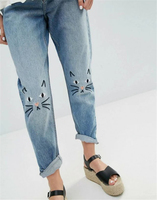 Woman 2017SS Fashion NEW Cute CAT Embroidery On The Knee Denim Jeans Cropped Trousers