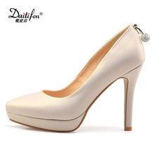 fe9dc6f24 Daitifen sexo mulheres da Plataforma dos saltos altos sapatos concisa  Sólida Pérola decoração Escritório senhora Apontou toe Sli.
