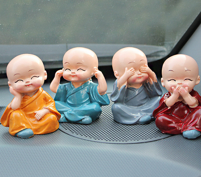 4 unids/lote decoración de coche pequeño monje adornos de muñeca de juguete encantadores accesorios de coche decoración de mesa de oficina de resina