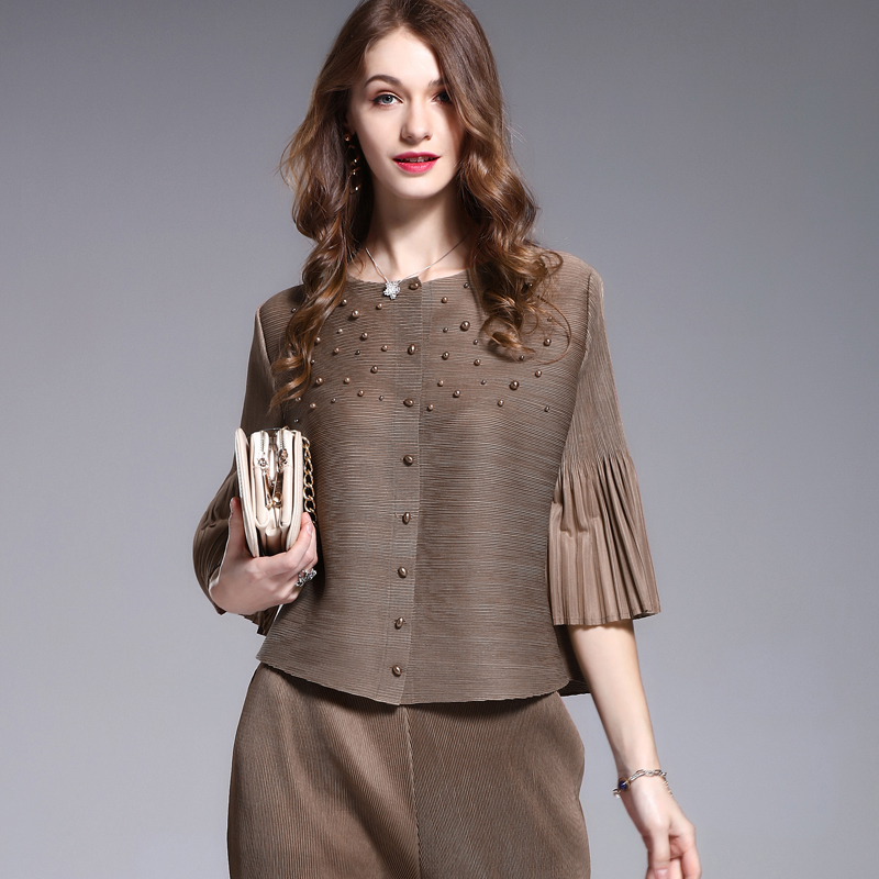 მოდის დიზაინის მძივი ქალის ქურთუკი Miyak Pleated 2017 ზაფხულის ფხვიერი თხელი მყარი 3/4 ყდის მოკლე ქალთა ქურთუკი Plus size Outfit C574