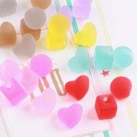 Toptan 50 Adet/grup Çeşitli Şeker Renkler 3D Yuvarlak Küp Kare Kalp Akrilik Boncuk Fit Kızlar Saç Takı Süs Aksesuarları