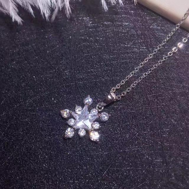 Pura Prata Esterlina 925 Presentes Mulheres Colar Moda AAA CZ Diamante Marca de Jóias Estrela Romântico Moda Branco Do Floco De Neve Pingente