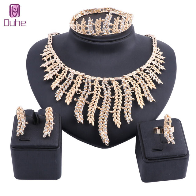 e4b6e120edad Venta al por mayor Moda Africana perlas joyería conjunto Nigeria Dubai  collar de cristal oro