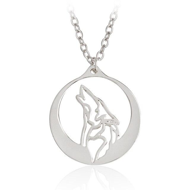 dffba1bae677 Lobo aullador con Luna de plata colgante collar de oro étnico Animal  collares hombres chico amigo