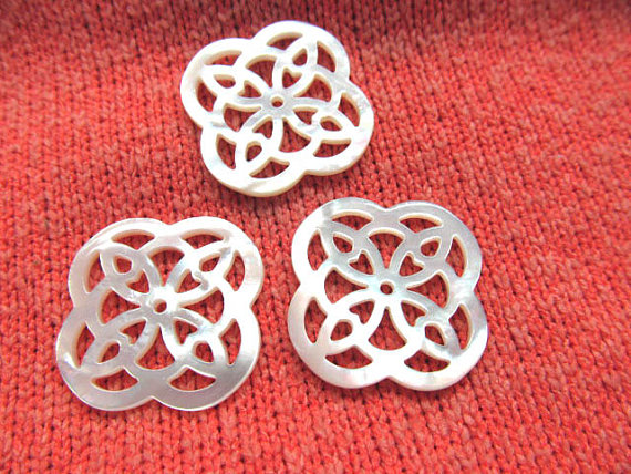 25mm 12pcs genuine MOP shell gergous handmade flower carved mother of pearl white jewelry bead