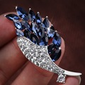 High Quality Shinning Glass Crystal Flower and Leaf Design Blue Fashion Brooch Pins for Women