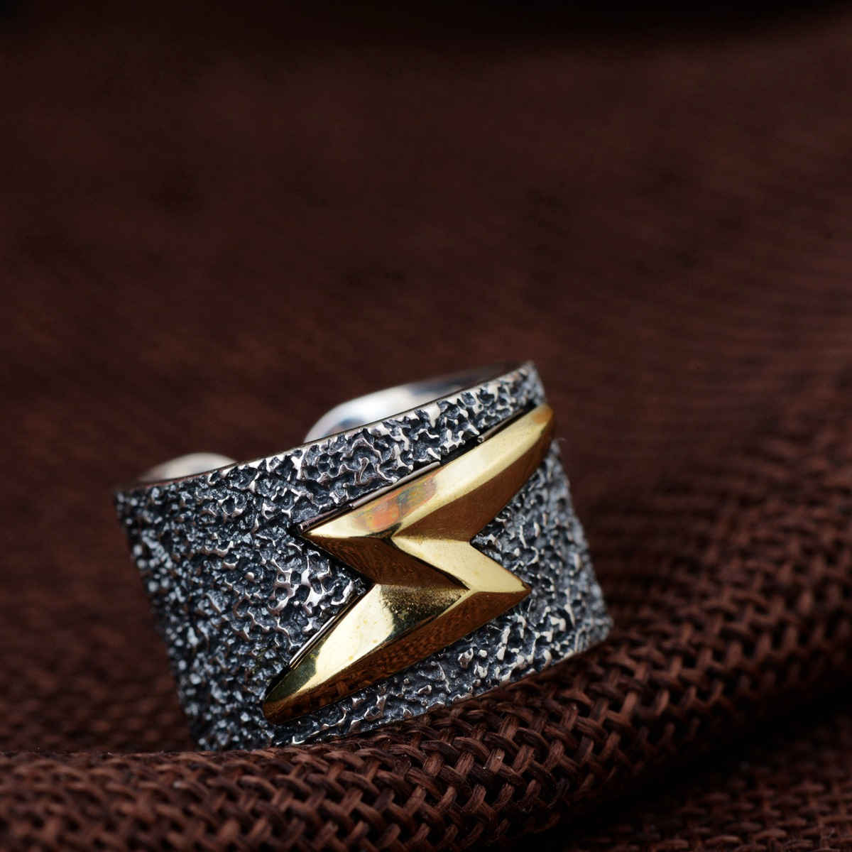 925 silver restoring ancient ways process modelling of lightning male money silver ring Thai silver wholesale fashion 925 silver men s ring thai silver national wind restoring ancient ways domineering silver ring pop open wholesale offered
