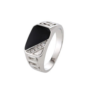 Men Concise Triangle Oil Drip Rhinestone Charm Wide Ring Finger Band Titanium Stainless