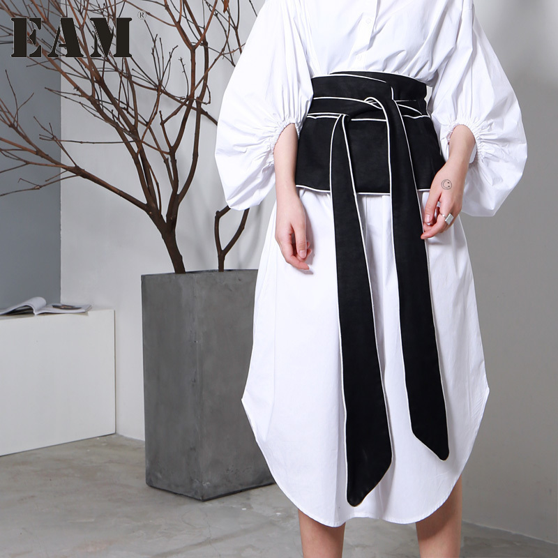 [EAM] 2018 New Autumn Black White Hit Color Long Bow Bandage Exceed Width Belt Women Fashion Tide All-match JA49101