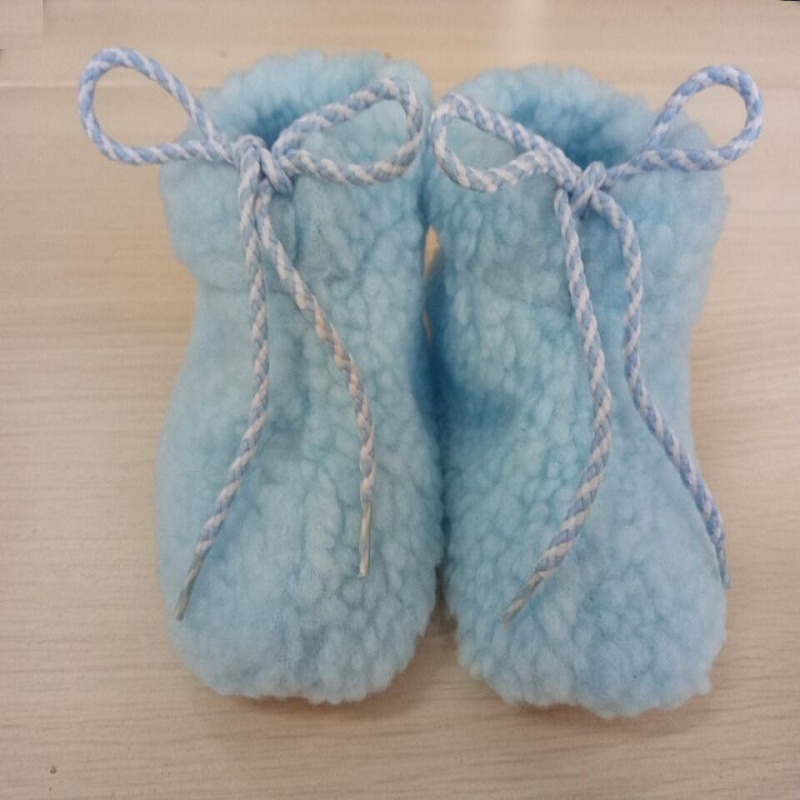 2017-Winter-Coral-Fleece-Newborn-Shoes-Soft-Baby-Socks-Infant-First-Walker-Warmer-Thick-Babies-Foot-Cover-1
