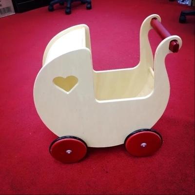 Cochecito de bebé empuje paso ayuda a los niños pequeños juego carro de madera coche de juguete los niños