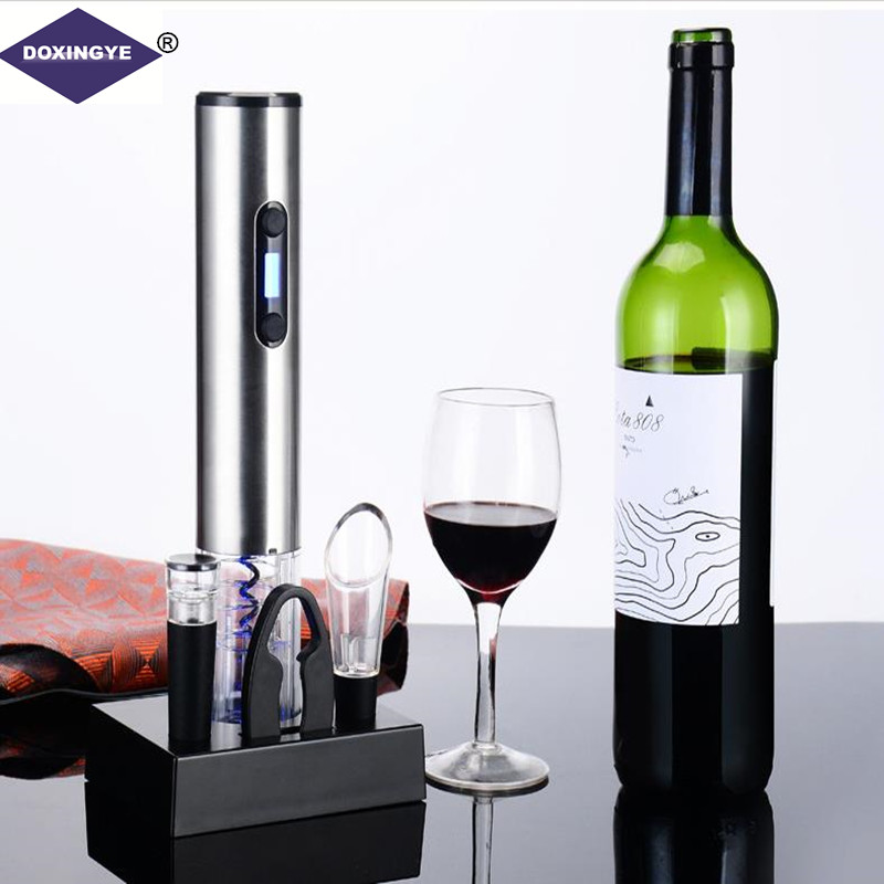 DOXINGYE 4pcs/Lot Smart Wine Electric Bottle Opener with Foil Cutter with Vacuum Stopper with Wine pourer Bar Sets Wine toolsDOXINGYE 4pcs/Lot Smart Wine Electric Bottle Opener with Foil Cutter with Vacuum Stopper with Wine pourer Bar Sets Wine tools