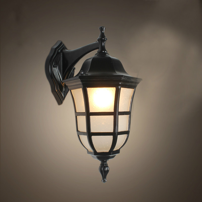 European vintage bronze aluminum villa waterproof outdoor wall lamp American retro scrub glass E27 LED bulb corridor lamp