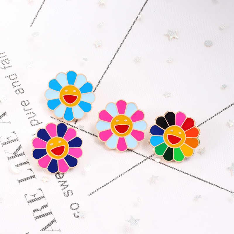 4 色 Kpop 花錦織りファッションレインボーフラワーエナメルピン笑顔のひまわりブローチかわいいバッグアイコンバッジ男性の女性のギフト
