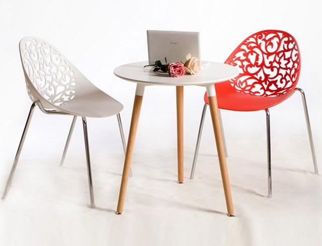 Design Moderne En Plastique Et En Acier Jambe Chaise Empilable A
