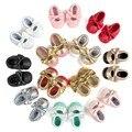 Marca romirus niñas mary jane zapatos de bebé de la flor de la pu zapatos Arco de Oro Niñas Primer Caminante Del Niño Del Bebé Mocasines de cuero Moccs