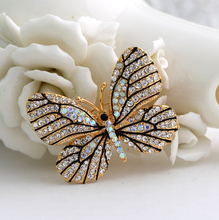 2016 new High Quality Fashionable Rhinestone Butterfly Brooch Pin Gold Women Dress Wedding Bridal Brooch Pins