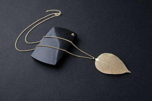 Unique Golden True Leave Maxi Long Pendant Necklace