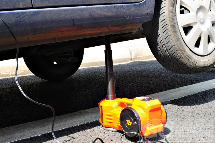 cheap price portable electric lifting jack for tyre change ...