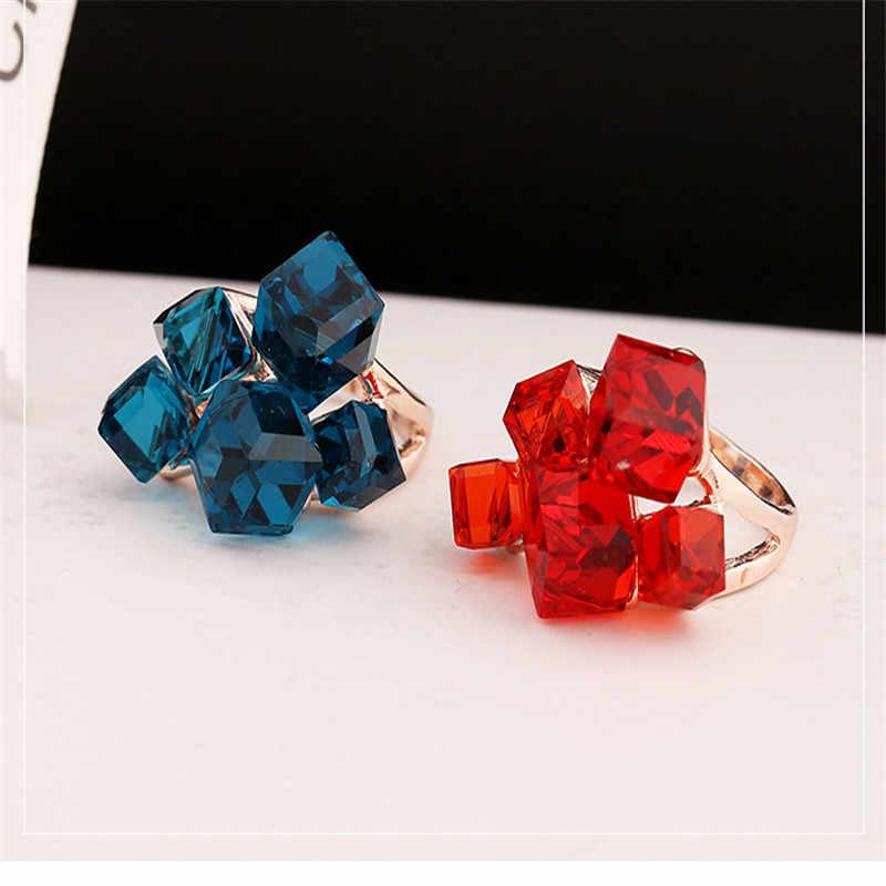 แฟชั่นผู้หญิงสีน้ำเงินแหวนหมั้นสำหรับสุภาพสตรีวินเทจ Vintage แหวนหิน