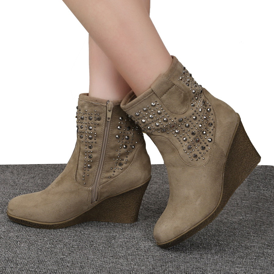 Lastest Women Want To Be Comfortable  A Dont Be Afraid To Continue To Wear Your Ankle Boots This Is An Attitude You Can Take With You Yearround, But Instead Of Black, Think Beige, Or Camel Tight With Leggings Works, And Loose And A Little
