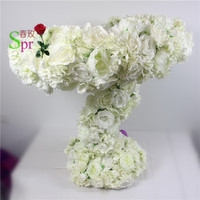 SPR white Latest Centerpieces Garland Runner With Stand Flower Ball Wedding Table Centerpieces