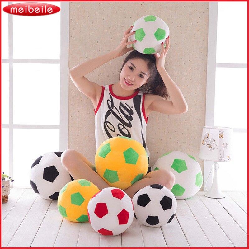 Фото девушек с мягкой игрушкой на диване фото 615-319
