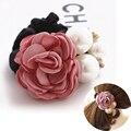 Corea Mujeres de la manera Flores de La Cinta de Estilo Simulado Decoración de Perlas Diadema Vendas Elásticos Del Pelo para Las Niñas Accesorios Para el Cabello