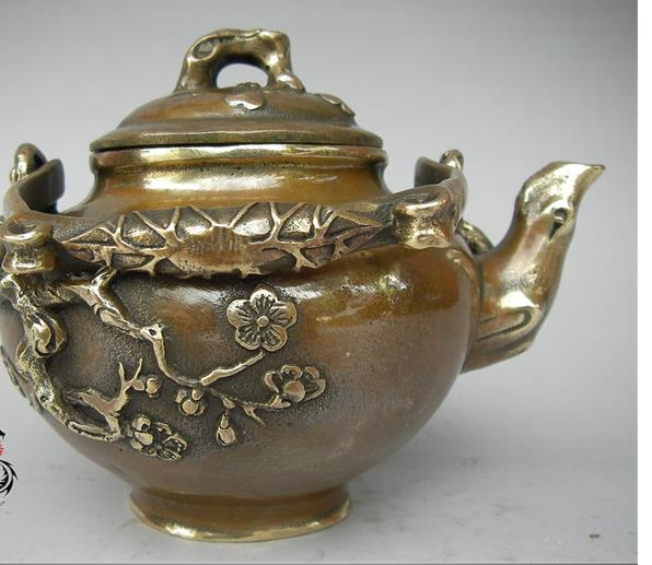 Antique QingDynasty copper Plum teapot / flagon Sculpture,hand-carving crafts,Home Decoration /CollectionAntique QingDynasty copper Plum teapot / flagon Sculpture,hand-carving crafts,Home Decoration /Collection