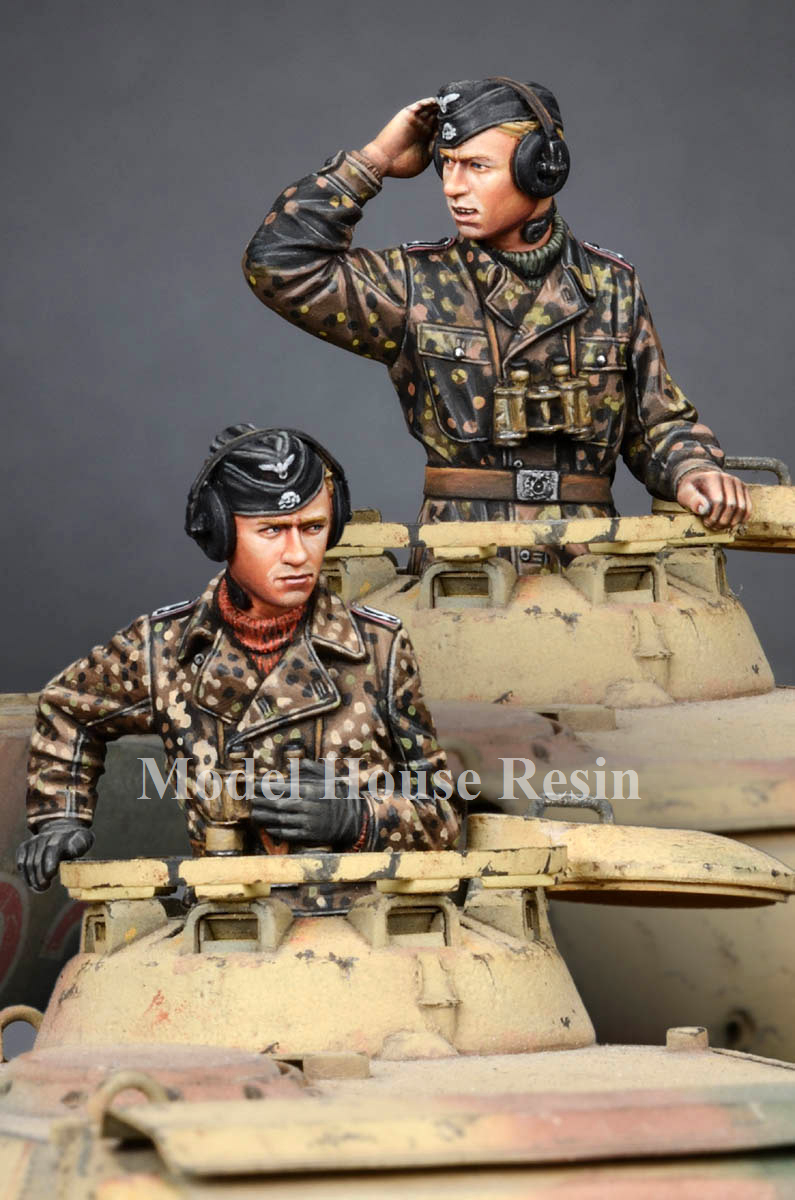 1:35 WSS Panzer Commander Set