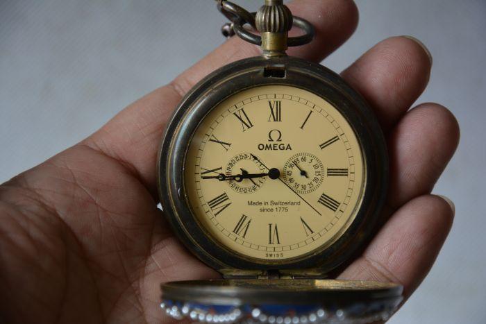Rare ancienne dynastie Qing horloge en verre en laiton royal \ montre de poche mécanique, pierres incrustées, peuple occidental, peut travailler, livraison gratuite