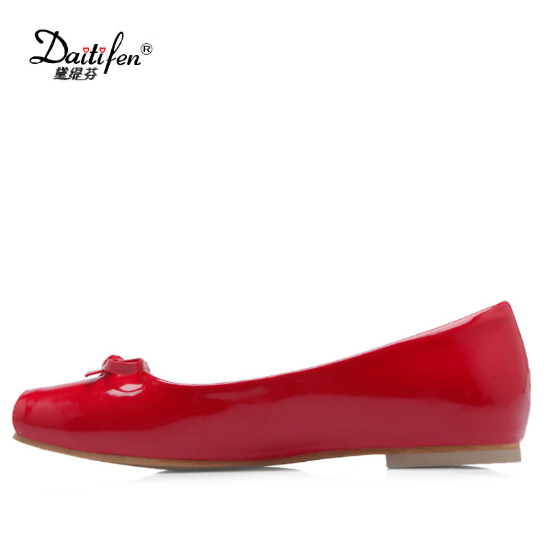 Daitifen Patent Leather Flat Women Ballet Flats Plus Size 30-50 Square Toe Bow Knot Slip-On Ladies Wedding Spring Autumn Flats daitifen 2018 spring elegant mental buckle pointed toe ladies flat shoe fancy flock shoes women flats casual slip on women flats