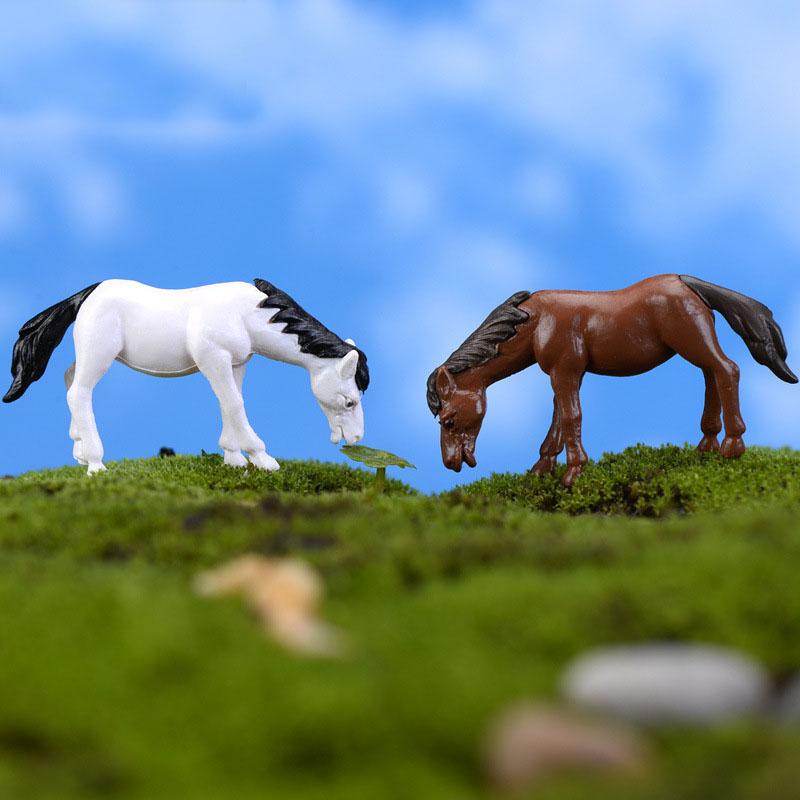 2PCS Horse Family Pack Simulation Model Animals Kids Toys Mini Gnomes Moss Terrariums Figurines Decoration DIY Animals Statue