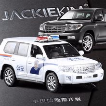 New 1:32 Land Cruiser Police Model Car Diecast Metal Pull Back Auto Toy 2 Color Simulation Alloy Car For Baby Birthday Toy Gifts(China)
