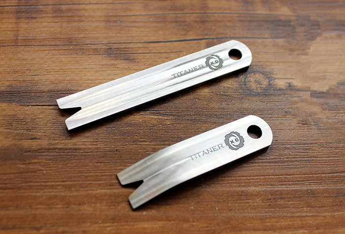 Christmas Gifts TC4 Titanium Alloy Crowbar EDC Small Tools Hanging Key Chain Multi Tools self-defense for students and traveller tito titanium alloy double holes refers to the tiger edc self defense tools multi function key ring multipurpose keychain