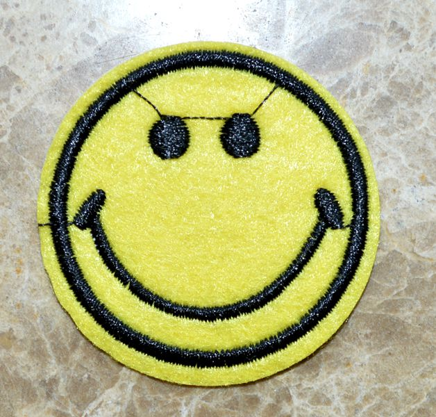 Smile Smiley Icon Emoticon USA Flag Embroidered Iron on Patch Free Postage