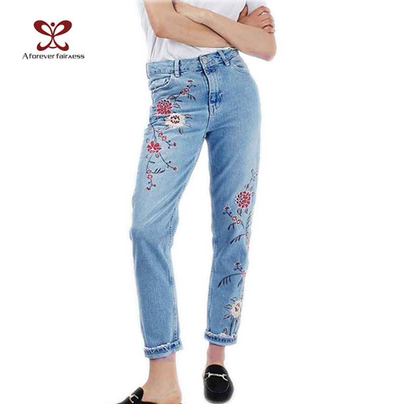 ФОТО 2017 New European Spring Autumn Women Fashion High Waist Embroidery Flower Jeans Floral Embroidered Women Nine Pencil Pants M302