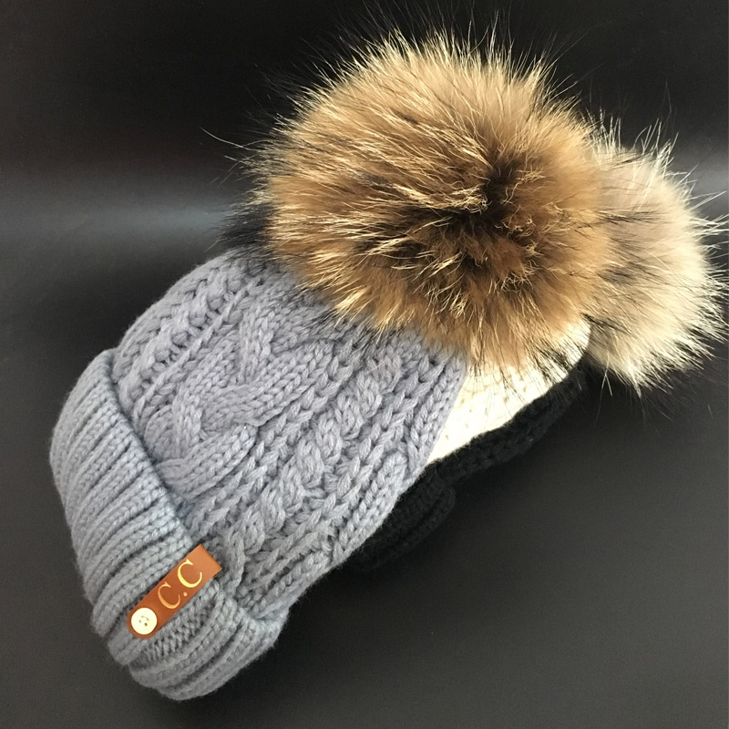 2017 Skullies Beanies Winter Hat For Women Warm Hat Fashion Brand Knitting Warm Cap 18cm fur pompom Hat Cap Leisure Fashion hats skullies