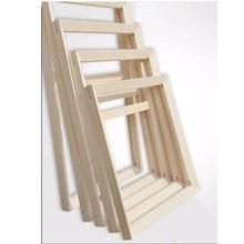 Dřevené rámy několika velikostí